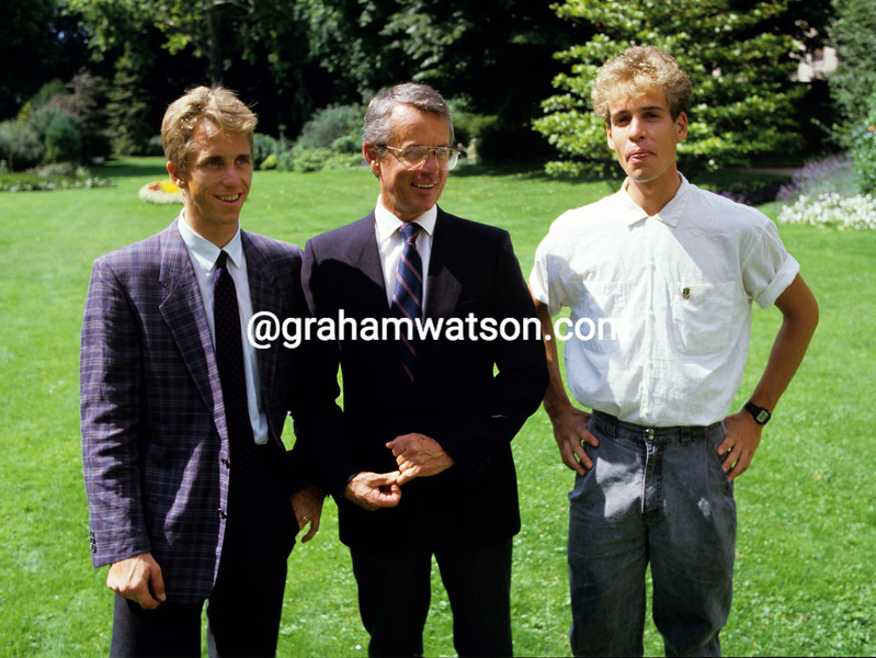 Greg Lemond with Andy Hamspten after winning the 1986 Tour de France