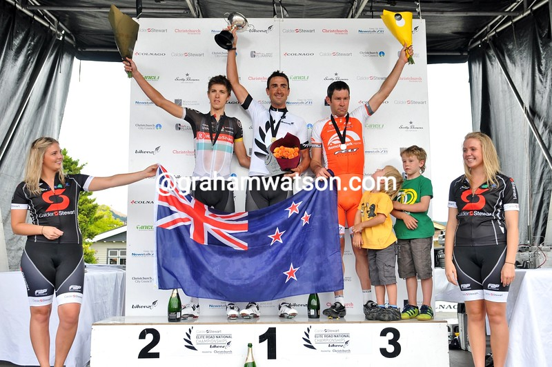 Hayden Roulston wins the 2013 New Zealand Road Championships