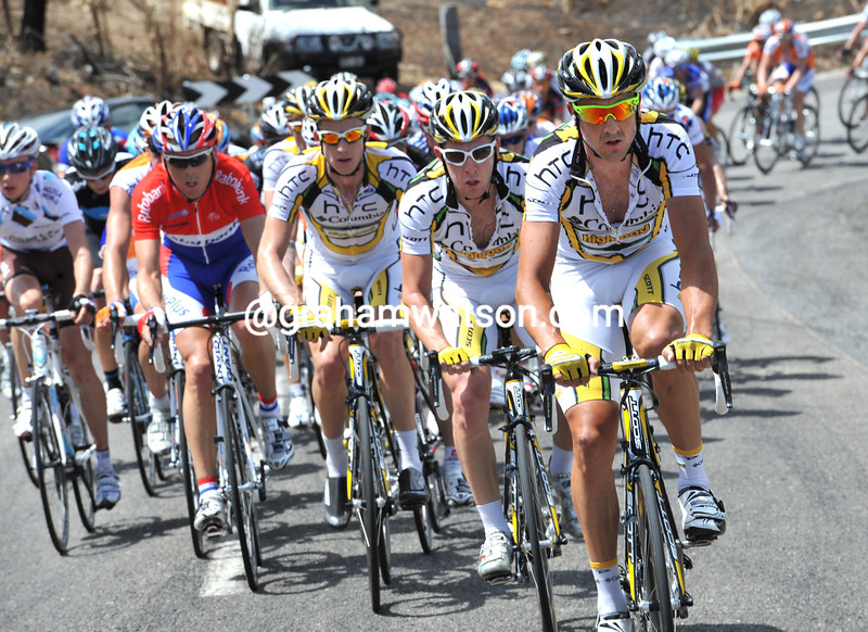 HAYDEN ROULSTON LEADS THE PELOTON ON STAGE THREE OF THE TOUR DOWN UNDER