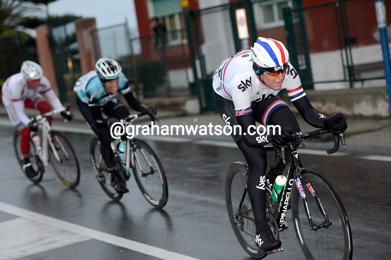 Ian Stannard attacks in the 2013 Milan-San Remo