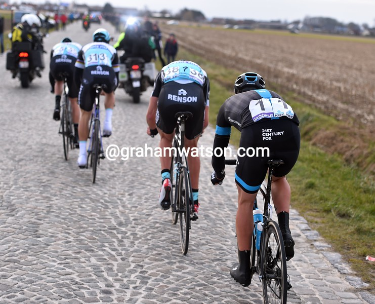 Ian Stannard follows four Quick-Step riders in the 2015 Omloop Het Nieuwsblad