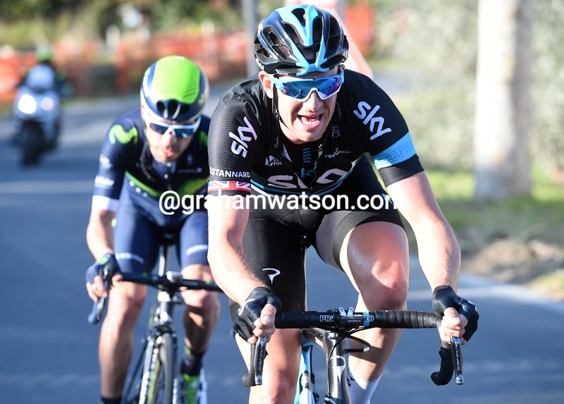 Ian Stannard escapes in the 2016 Milan-San Remo