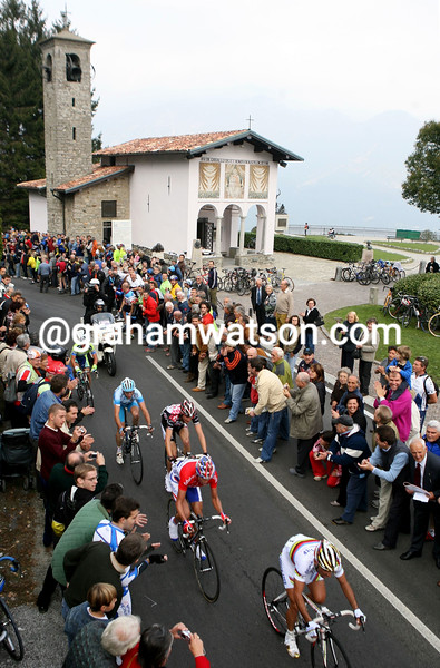 PAOLO BETTINI LEADS AN ESCAPE PAST THE MADONNA DEL GHISALLO IN THE 2006 TOUR OF LOMBARDY