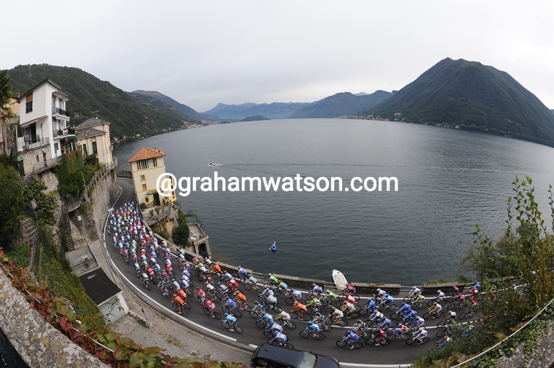 THE PELOTON RACES AROUND LAKE COMO IN THE 2009 GIRO DI LOMBARDIA
