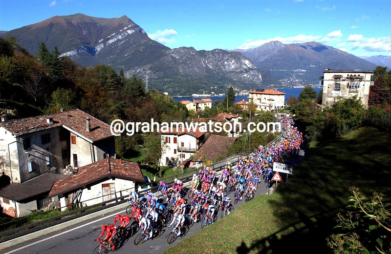 The 2002 Giro di Lombardia climbs the Madonna del Ghisallo
