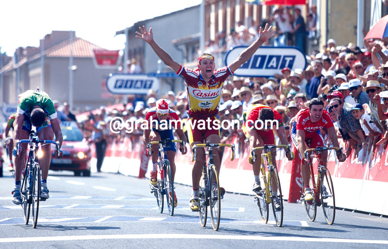 Jacky Durand wns a stage of the 1998 Tour de France