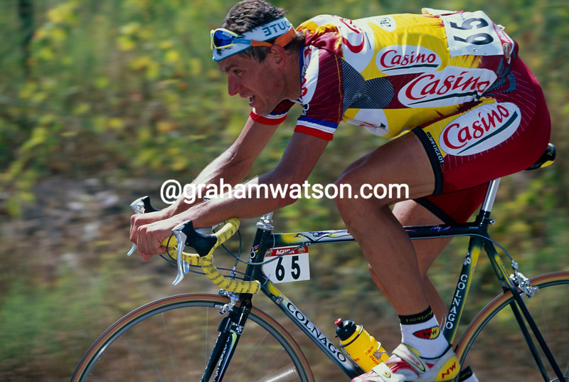 Jacky Durand escapes in the 1997 Vuelta a Espana