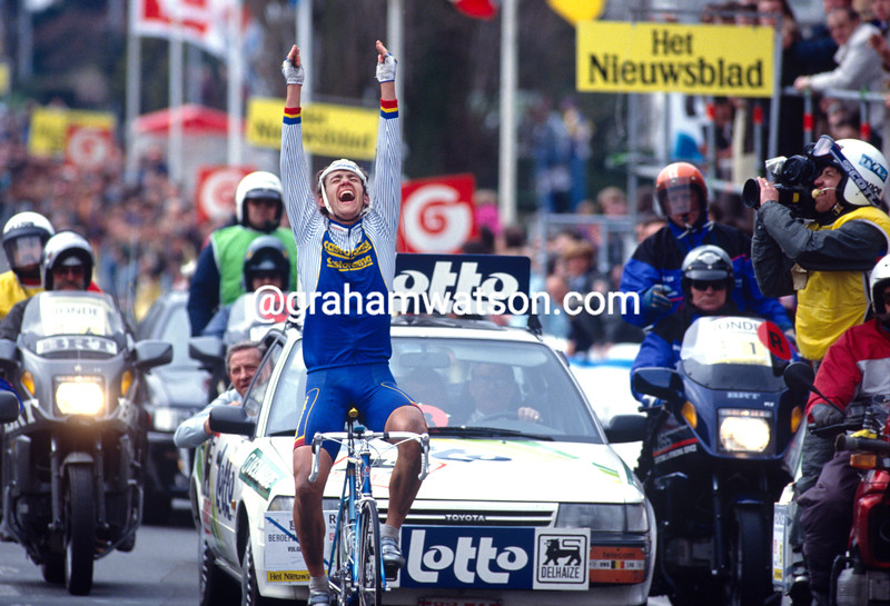 Jacky Durand iwns the 1992 Tour of Flanders