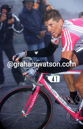 JAN ULLRICH LEADS ABRAHAM OLANO IN THE 1999 TOUR OF SPAIN