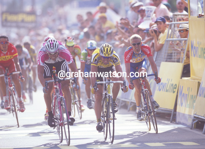 Jan Ullrich sprints against Abraham Olano in the 1999 Tour of Spain