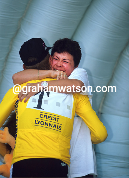 Jan Ullrich with his mother after winning the 1997 Tour de France