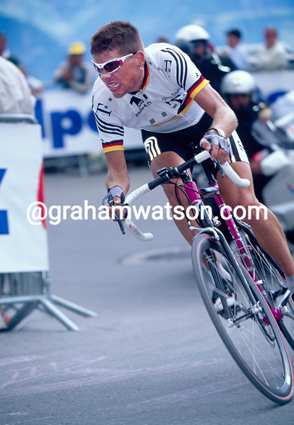 Jan Ullrich in the 2001 Tour de France