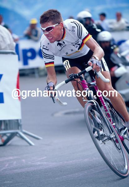Jan Ullrich in the 2001 Tour de France