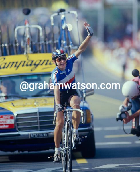 Jeannie Longo wins the 1987 World Championships