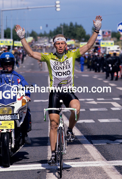 Jelle Nijdam wins a stage of the 1989 Tour de France