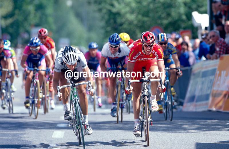 Jeroen Blijlevens and Mario Cipollini in the 1999 Tour de Romandie