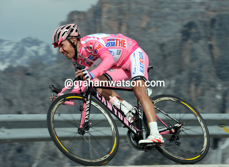Joachin Rodriguez descends on a stage of the 2012 Giro d'Italia