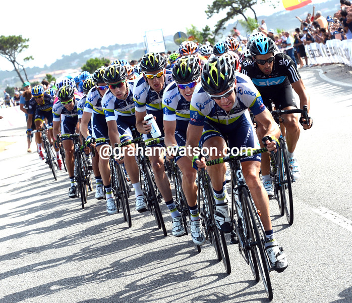 Julian Dean leads Green Edge on stage ten of the 2012 Vuelta EspaÒa