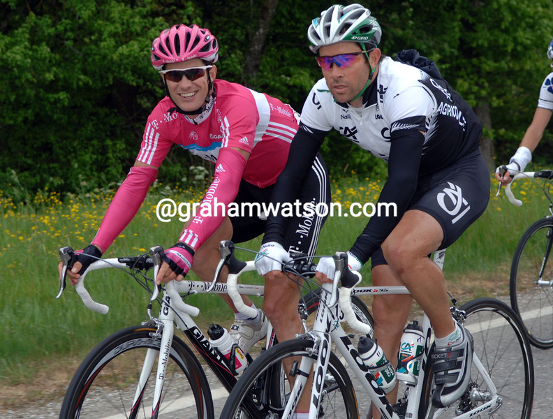 JULIAN DEAN AND GREG HENDERSON ON STAGE THREE OF THE TOUR DE ROMANDIE TO CHARMEY