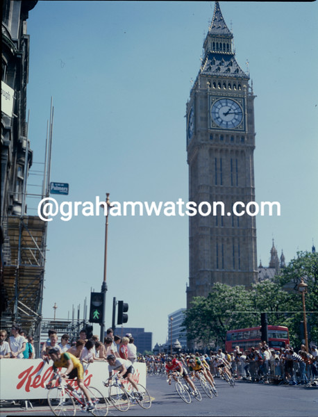 Cyclists in the Kellogg's Tour of Britain race around London in 1987