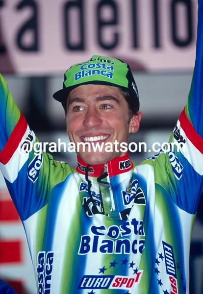 Jose Luis Rubiera wins a stage of the 1999 Giro d'Italia
