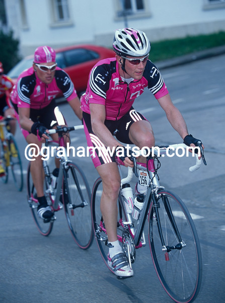Kevin Livingston and Jan Ullrich in the 2001 Tour de Romandie