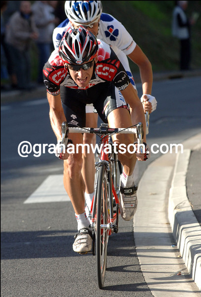 KURT ATLE ARVESEN AND FREDERIC GUESDON IN THEIR WINNING ESCAPE OF THE  2006 PARIS-TOURS