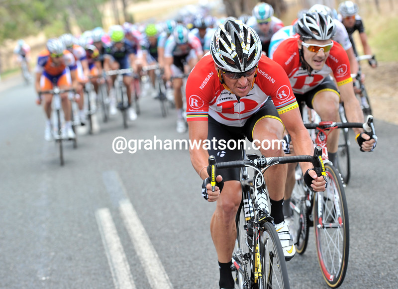 LANCE ARMSTRONG CHASES ON STAGE FOUR OF THE 2011 TOUR DOWN UNDER