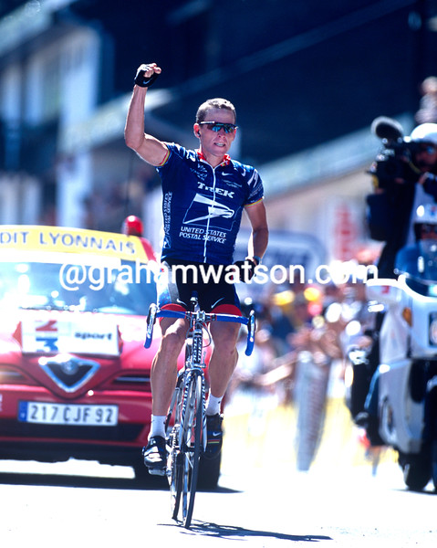 Lance Armstrong wins a stage to Pla d'Adet in the 2001 Tour de France