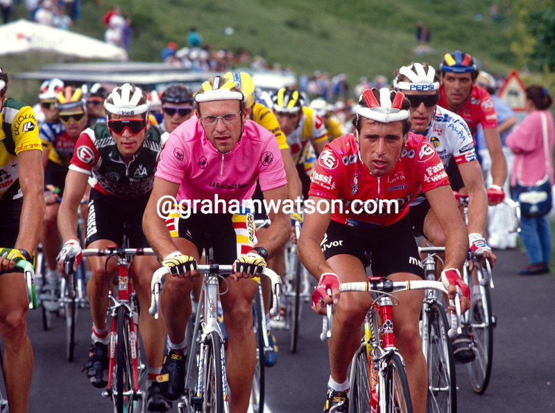 Flavio Giupponi and Laurent Fignon on a stage in the 1989 Giro d'Italia
