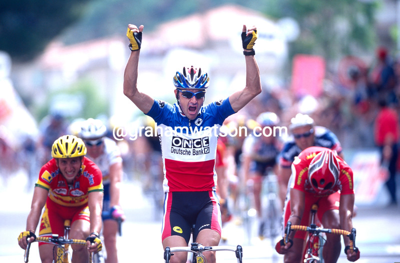 Laurent Jalabert wins a stage in the 1999 Giro d'Italia