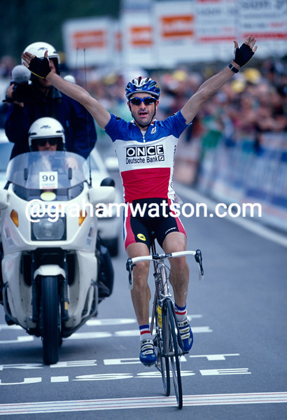Laurent Jalabert wins a stage of the 2000 Tour de Romandie