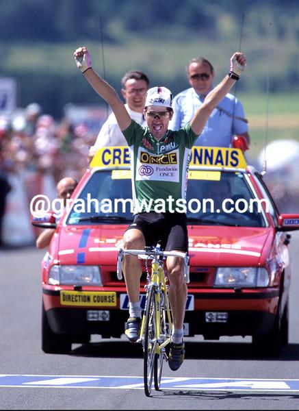 Laurent Jalabert wins a stage of the 1995 Tour de France