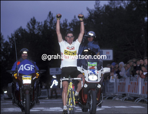 LAURENT JALABERT WINS A STAGE OF THE 1995 PARIS-NICE