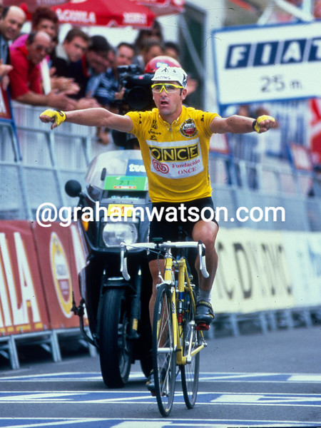 Laurent Jalabert wins a stage in the 1995 Vuelta a Espana