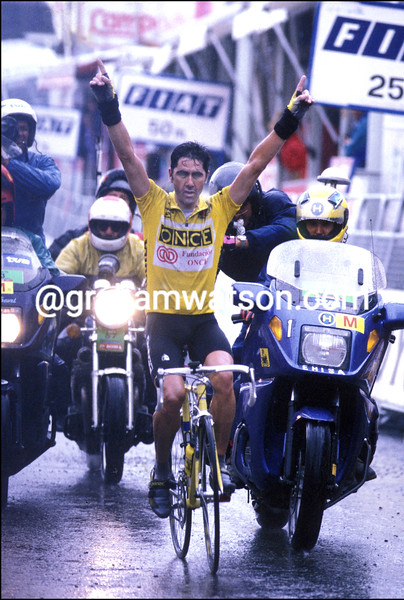 LAURENT JALABERT WINS A STAGE OF THE 1995 TOUR OF SPAIN