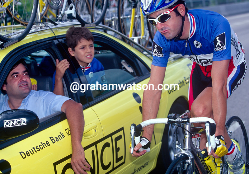 Laurent Jalabert with Manolo Saiz in the 1998 Vuelta a Espana