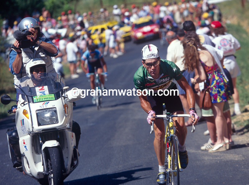 Laurent Jalabert attacks on a stage in the 1995 Tour de France