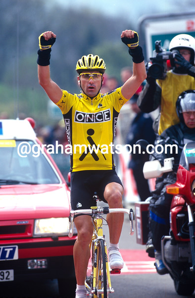 Laurent Jalabert wins the 1997 Fleche Wallonne