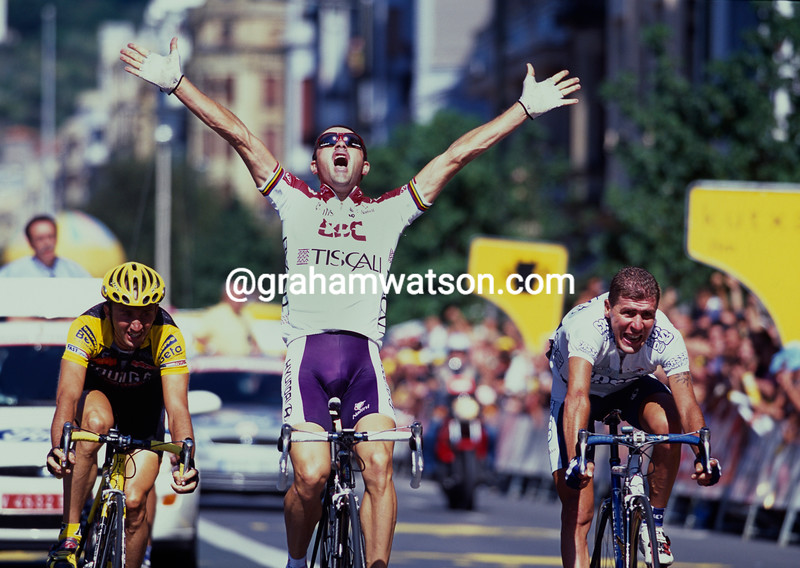 Laurent Jalabert wins the 2001 Clasica San Sebastian