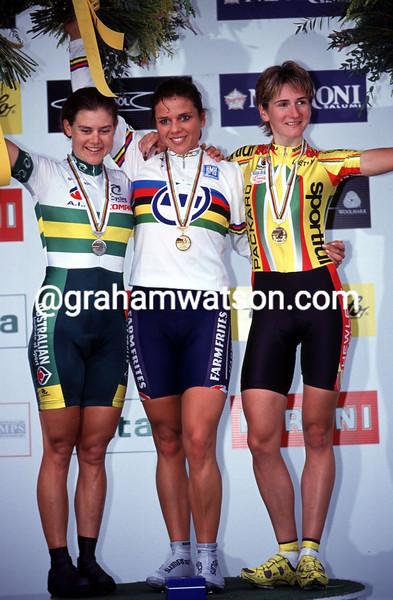 Elite women TT podium 2.jpg