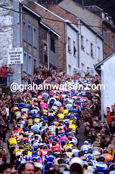 cyclists climb the Cote de Saint-Roche in the 2001 Liege-Bastogne-Liege