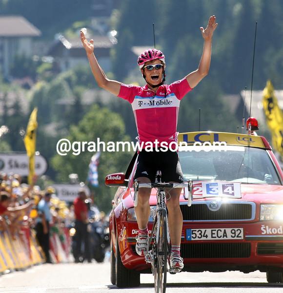 LINUS GERDEMANN WINS STAGE SEVEN OF THE 2007 TOUR DE FRANCE
