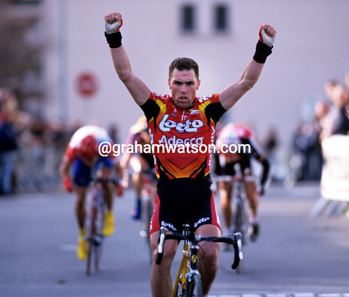 Nico Eeckhout wins a stage of the Etoile de Besseges in 2001