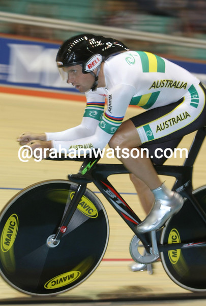 LUKE ROBERTS IN THE MENS PURSUIT WORLDS IN 2008
