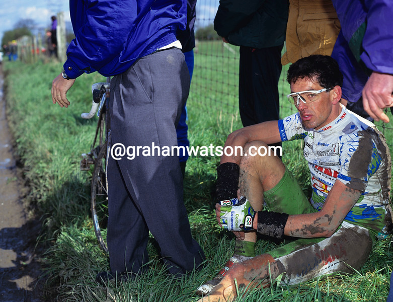 Marc Madiot crashes in the 1993 Paris-Roubaix