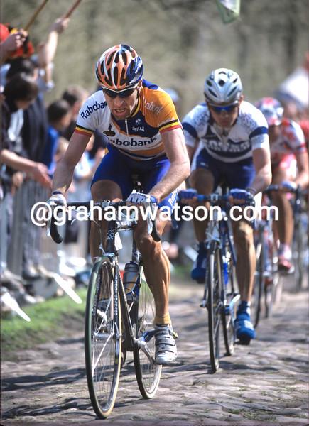 Marc Wauters wins the 1999 Paris-Roubaix