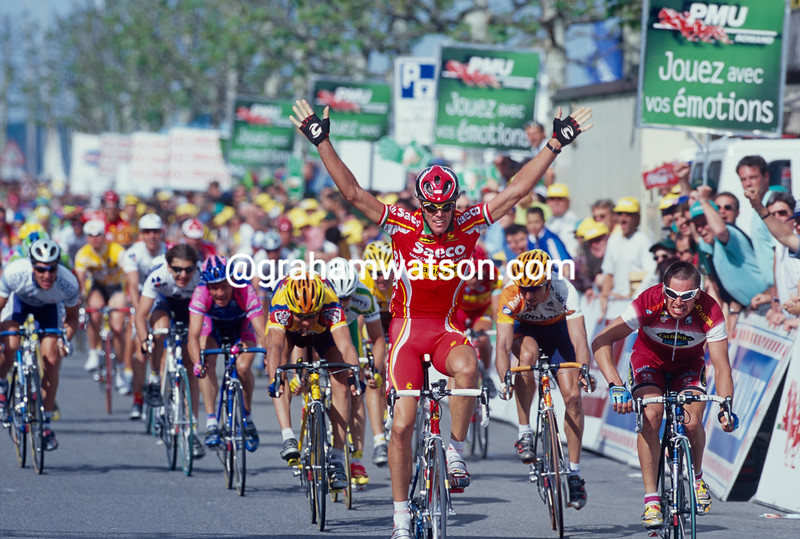 Mario Cipollini wins a stage of the 2000 Tour de Romandie
