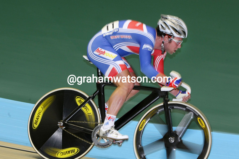 MARK CAVENDISH IN THE MENS POINTS RACE AT THE 2008 WORLD CHAMPIONSHIPS