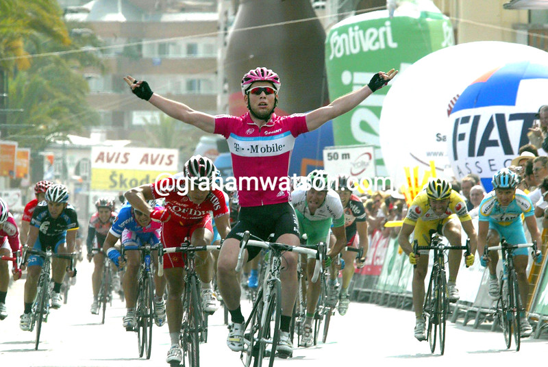 MARK CAVENDISH WINS STAGE SIX OF THE 2007 TOUR OF CATALONIA
